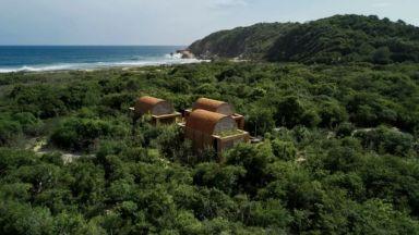 Три красиви къщи със сводести тавани кацнаха на брега на Оахака в Мексико