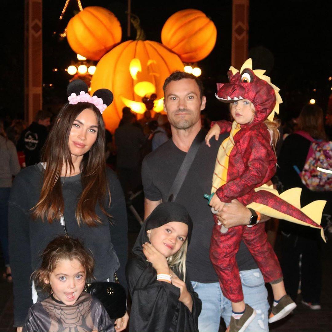 Меган Фокс със съпруга си Брайън Остин Грийн и децата им