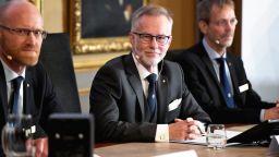 Банерджи, Дюфло и Креймър взеха Нобеловата награда за икономика за 2019-а