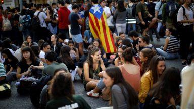 Каталуния отново е блокирана след тежките присъди срещу политици за общо 100 години затвор