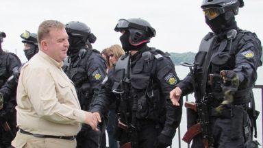 300 военни и 50 спецагенти в готовност да отидат на границата