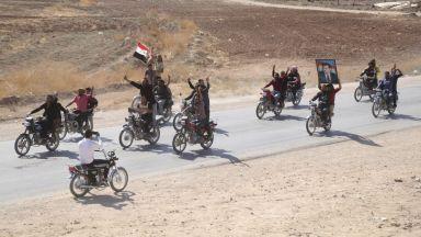 Сирийската армия влезе в северния град Манбидж, към който настъпва и турската