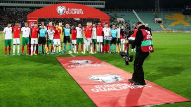 България - Англия 0:3, съдията заплаши да прекрати мача заради расизъм (на живо)