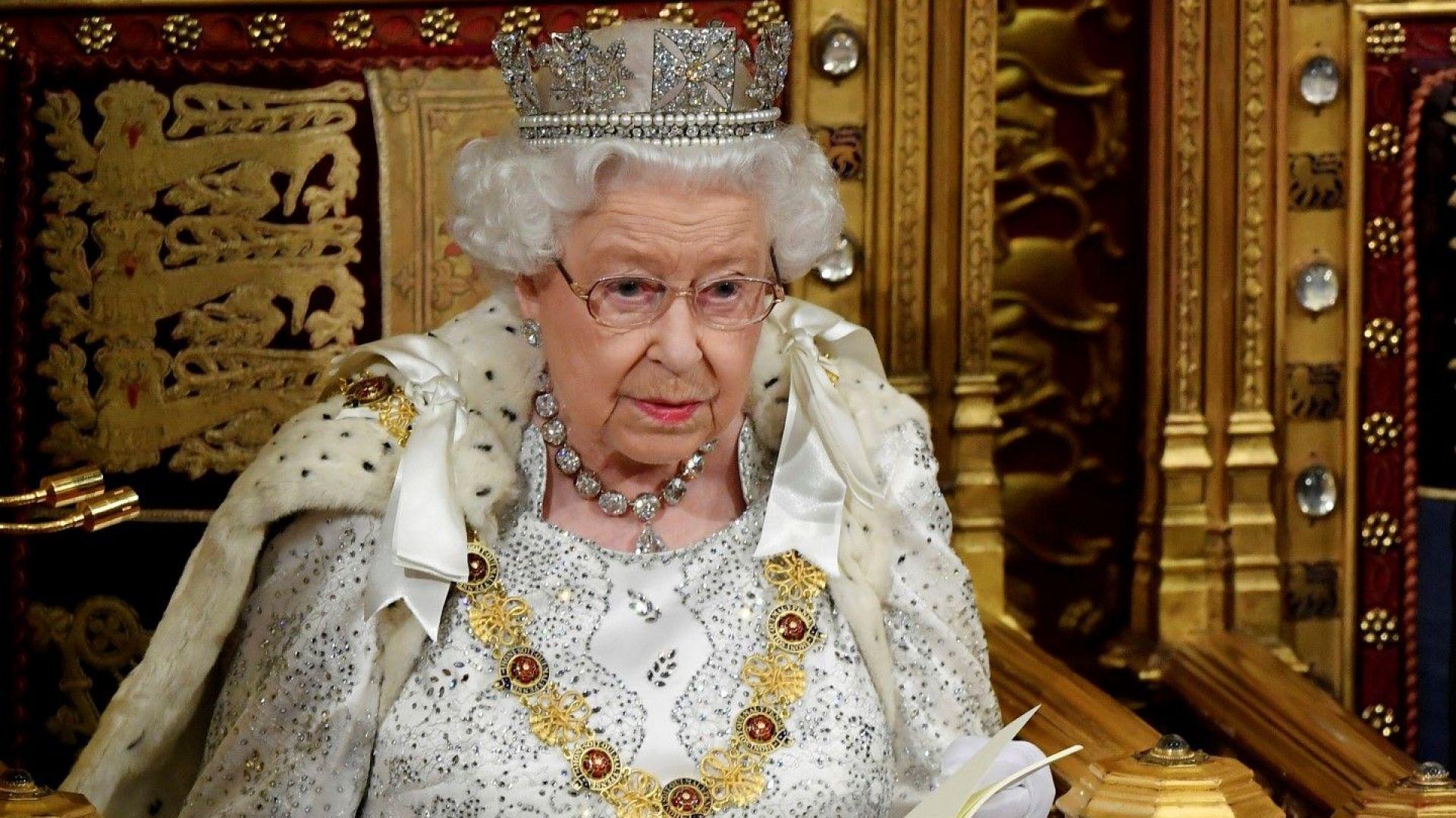 Елизабет Втора подписа за Брекзит