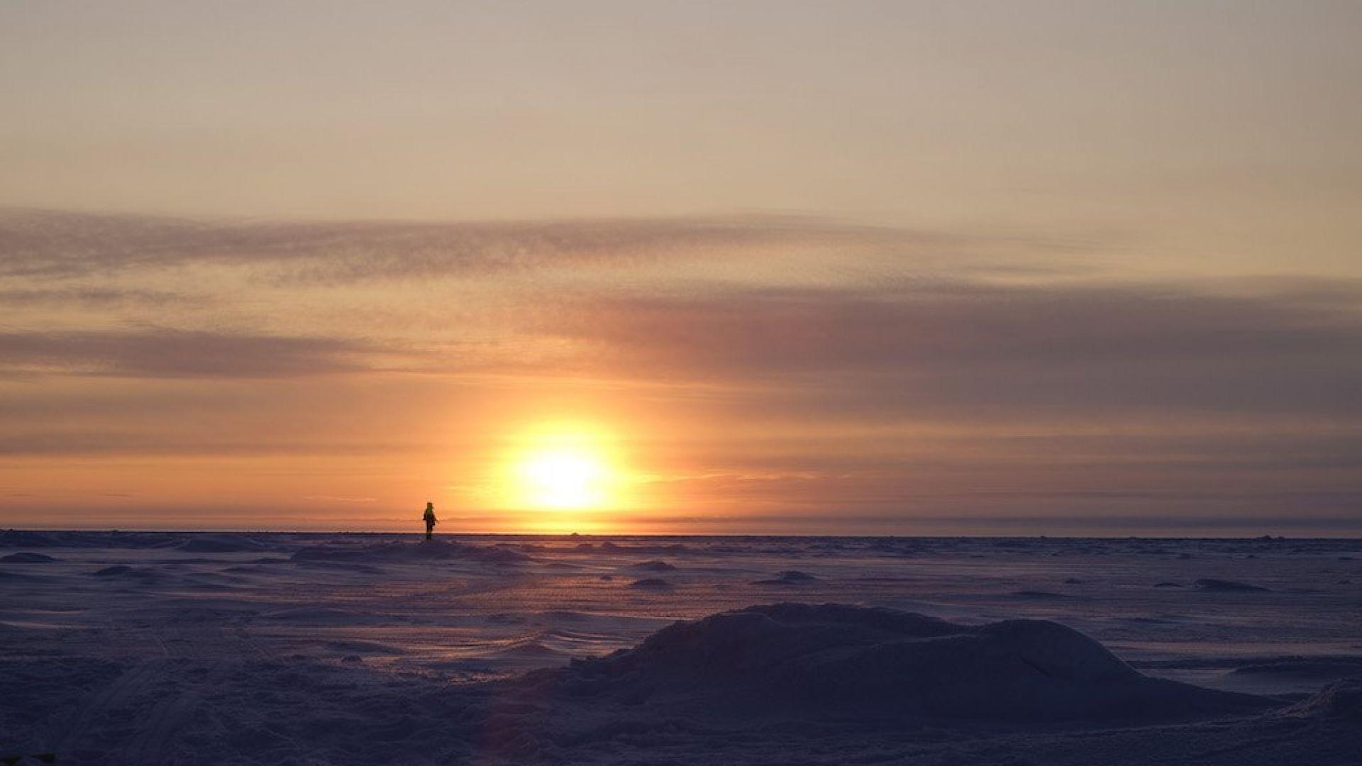 Къде най-северно грее слънцето в момента?