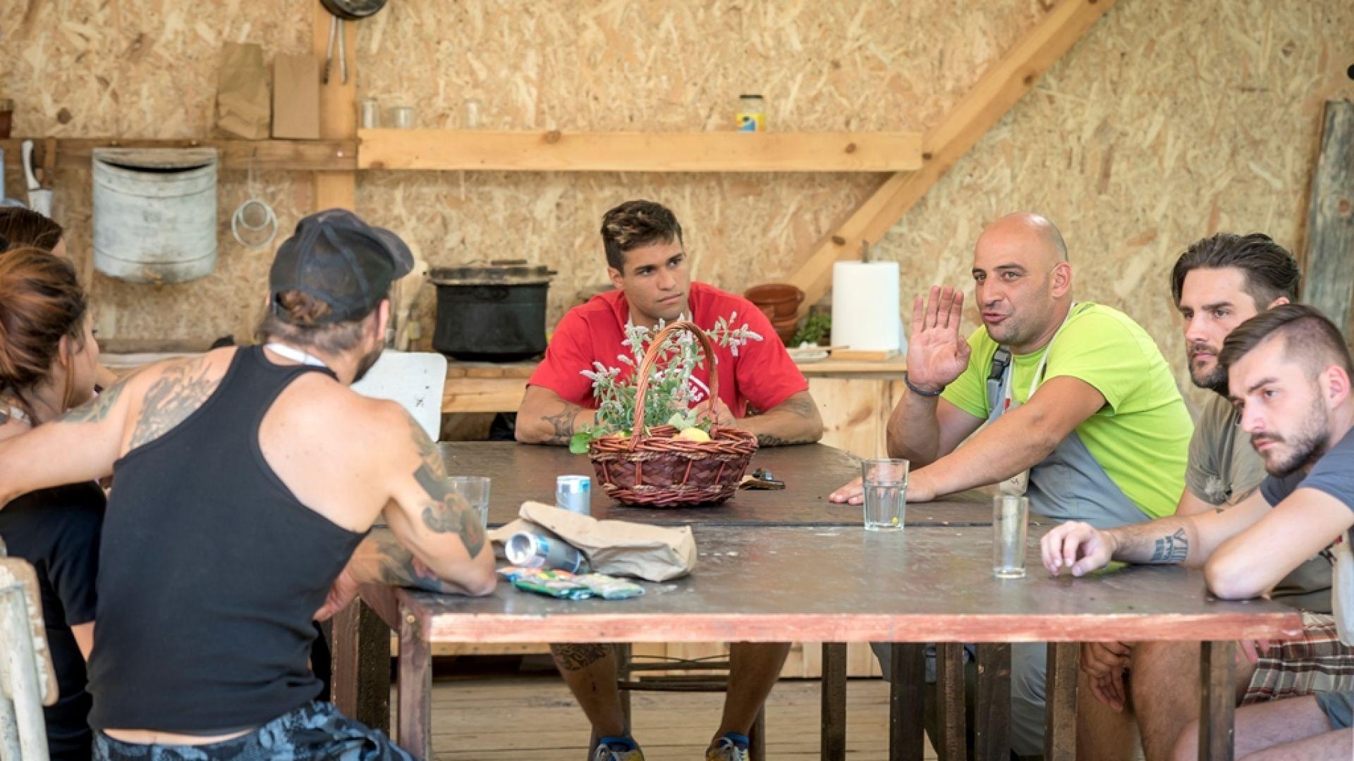 """""""Сиромаси"""" и """"Чорбаджии"""" се обединиха във """"Фермата: Нов свят"""""""