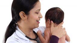 Бебе беше намерено заровено живо в гърне в Индия