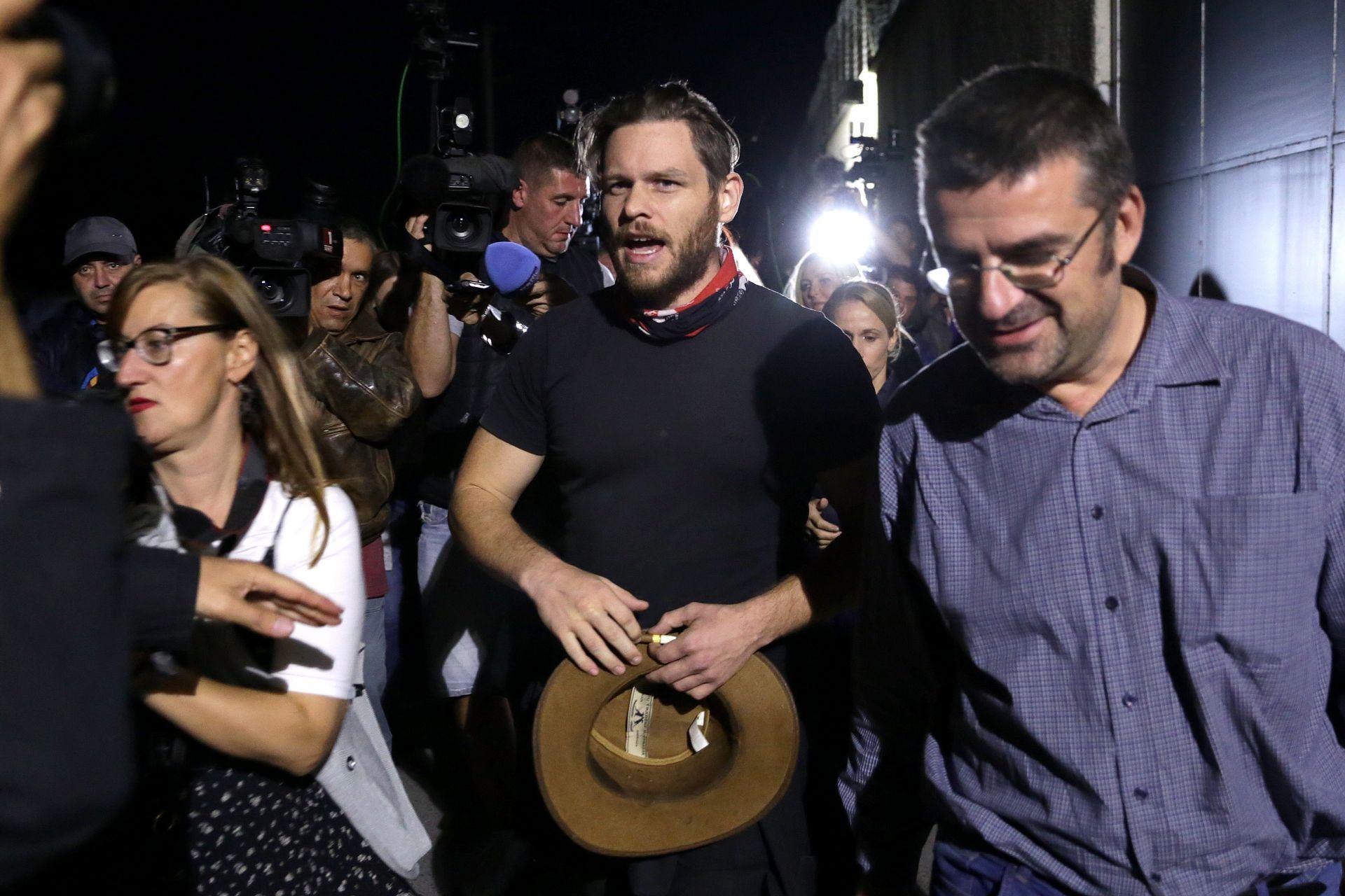 Австралиецът напусна центъра заедно с адвоката си Калин Ангелов