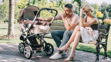 Без секс и общуване много родители се разделят след появата на бебе