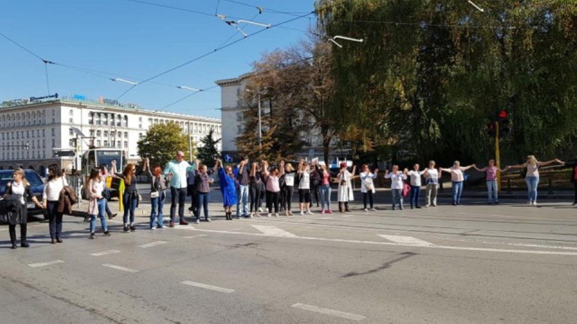 Повече от 4 часа продължи срещата на здравния министър Кирил