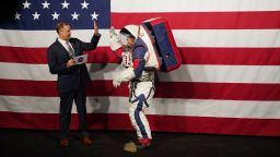 НАСА представи скафандрите за Луната