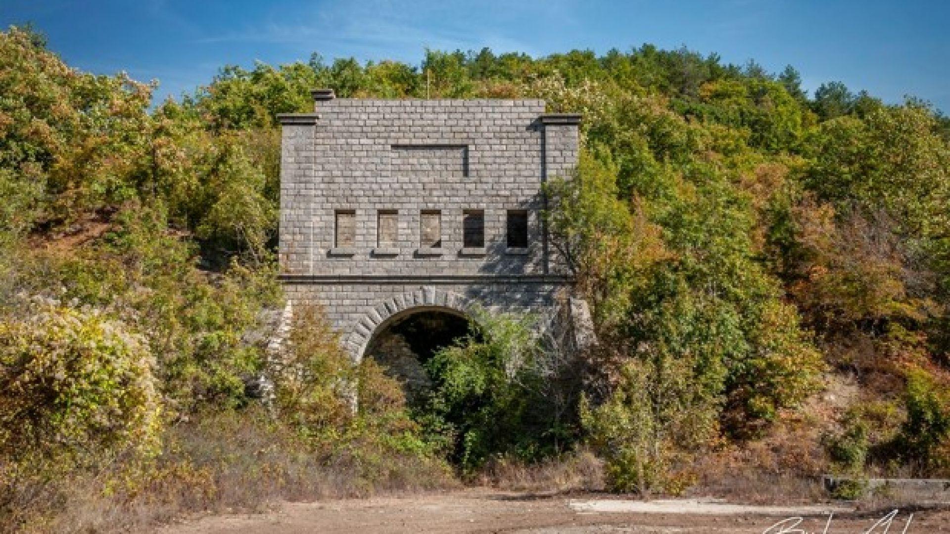 Фотографи предлагат за забележителност таен тунел, който свързва Варна с Бургас