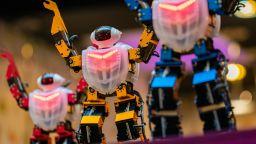 ФБР се въоръжава с роботи за... обработка на документи