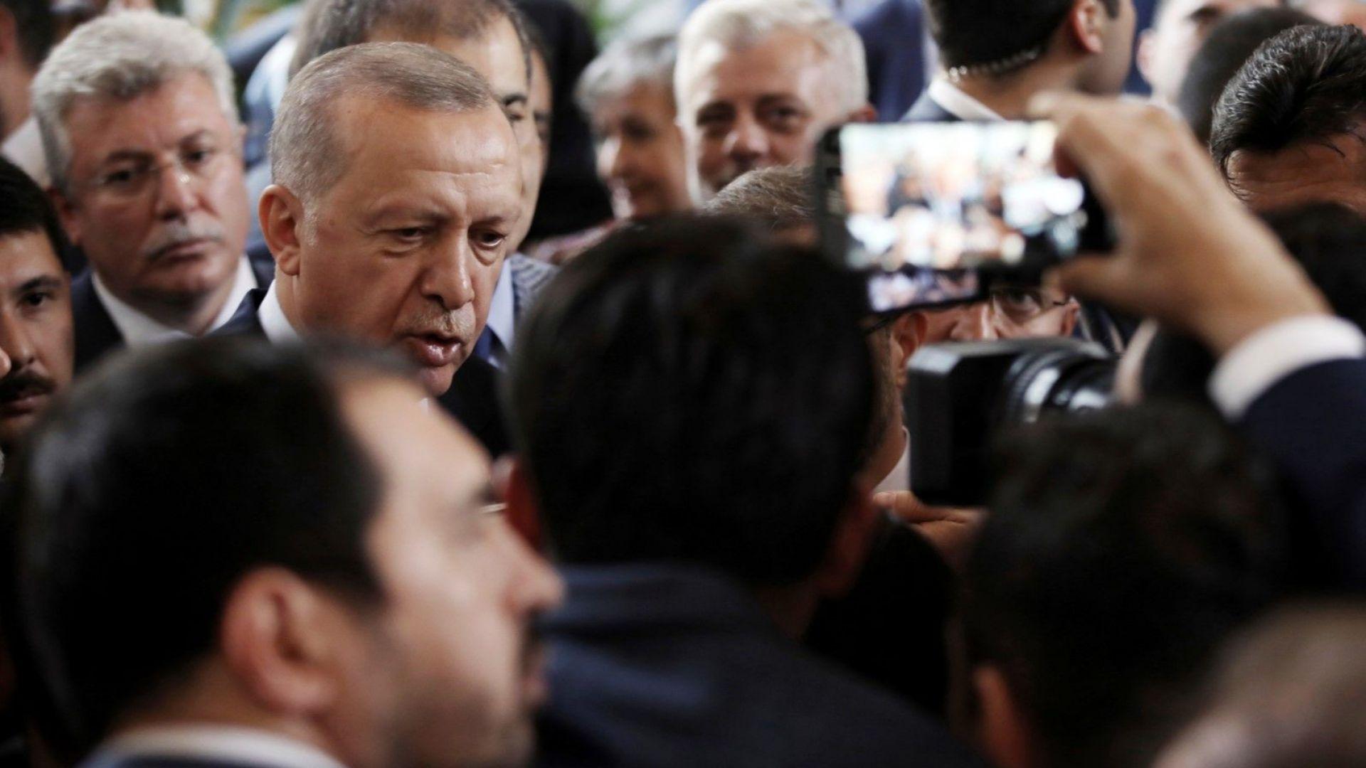 Турският президент Реджеп Тайип Ердоган хвърлил писмото на американския президент