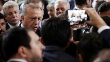 Турция и Великобритания канят Германия и Франция на среща за Сирия