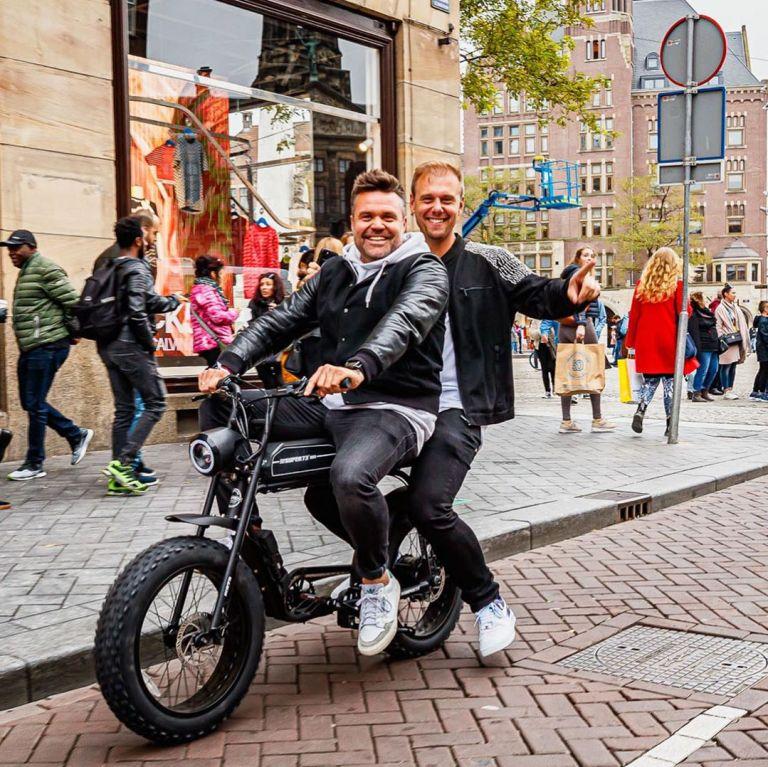 Armin van Buuren на първия ден на фестивала в Амстердам