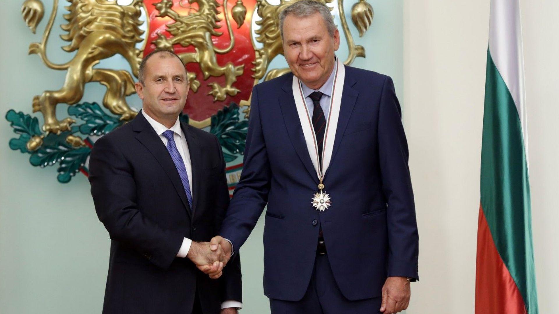 """Легендарният баскетболист Атанас Голомеев бе отличен с орден """"Стара планина"""" първа степен за приноса му в областта на спорта."""