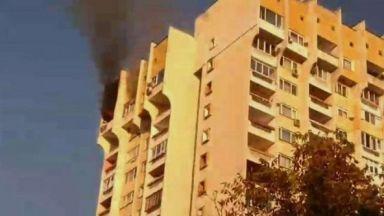 Голям пожар в зона Б-5 в София (снимки)