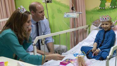 Кейт Мидълтън сложи тиара в Пакистан за специален случай