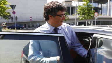 Карлес Пучдемон се предаде  на белгийските власти