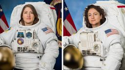 Две астронавтки излязоха в открития космос
