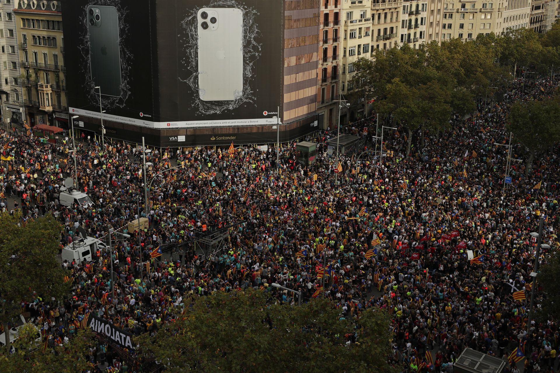 Днес е пети пореден ден на протестите в испанската автономна област.