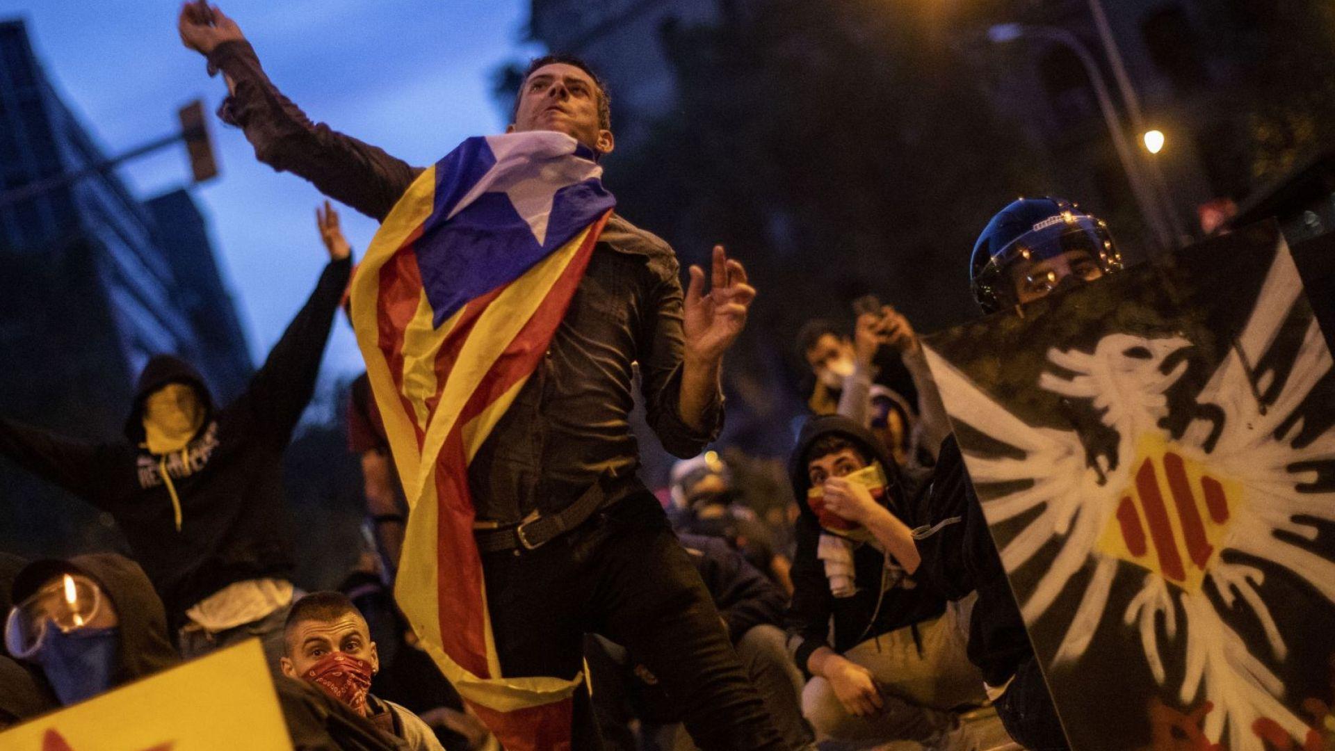 Над половин милион каталунски сепаратисти участваха в мирна демонстрация по
