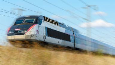 Стачки блокират железопътния транспорт във Франция