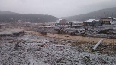 15 са загиналите след скъсване на дига в Красноярския край, 13 са в неизвестност