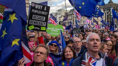 Страните от ЕС откриха пътя за ратификация на сделката по Брекзит, но няма решение за отлагането му