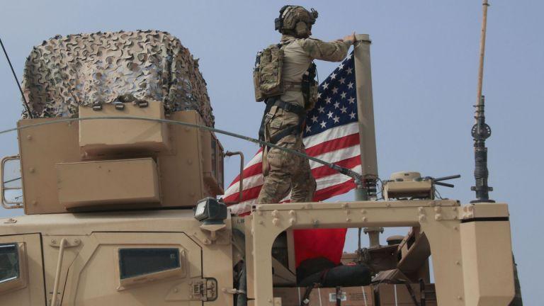 Малък брой американски войници са били ранени