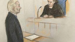 Джулиан Асандж се яви отслабнал пред британски съд по делото за екстрадиция