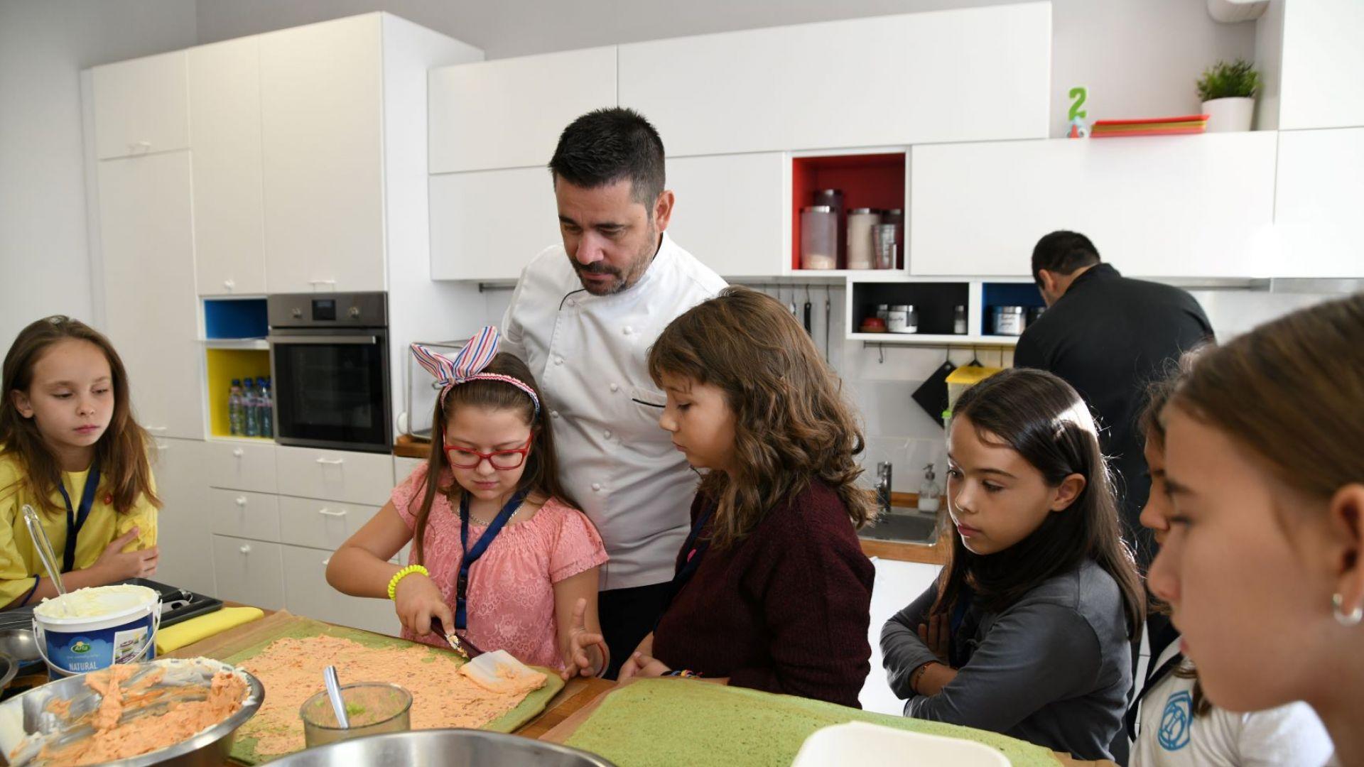 Малчугани помагат на най-добрите шеф-готвачи