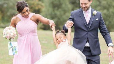 Серина сподели нежни снимки на 2-годишната си дъщеря като шаферка