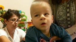 Държавата не дава инвалидна количка на момче с церебрална парализа