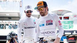 Хамилтън за Алонсо: Хубаво е, че се връща, ще има още един по-стар от мен