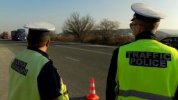 Пътен полицай е хванат да спи зад КАТ-Пазарджик