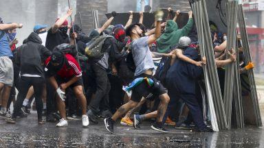 Протестите в Чили продължават, 18 са вече загиналите (видео)