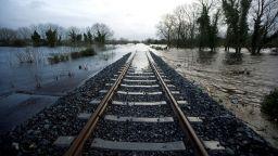Спрени са високоскоростните влакове между Франция и Барселона