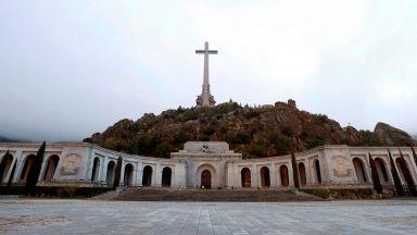 Испанско село се готви да приеме тленните останки на диктатора Франко