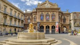 """Прочутият оперен Театро """"Белини"""" в Сицилия пред закриване?"""