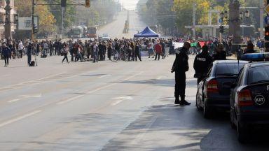 Вдигнаха блокадата на Орлов мост