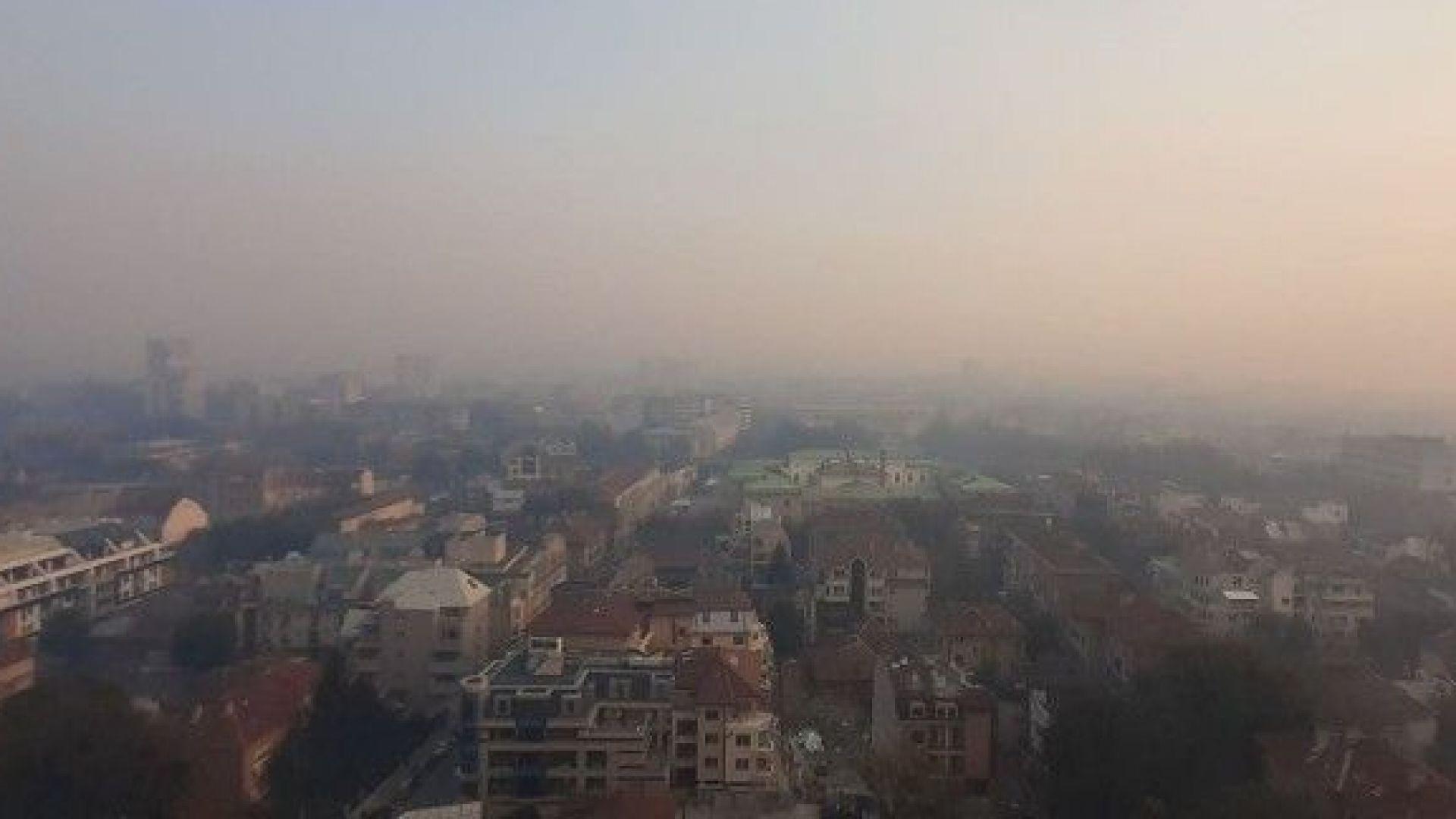 Гъст задушлив дим от Румъния обгази Русе