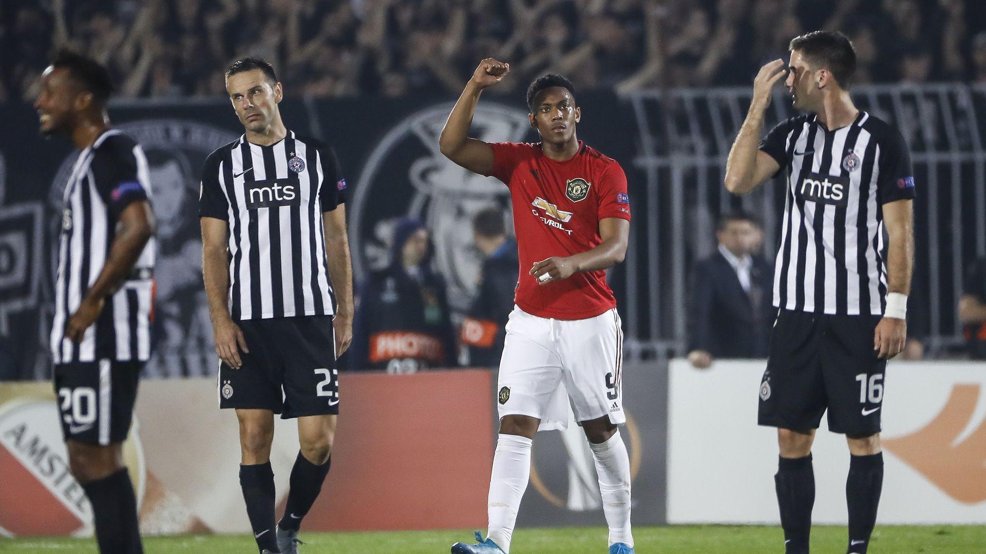 Дузпа донесе първа победа на Юнайтед като гост от 232 дни