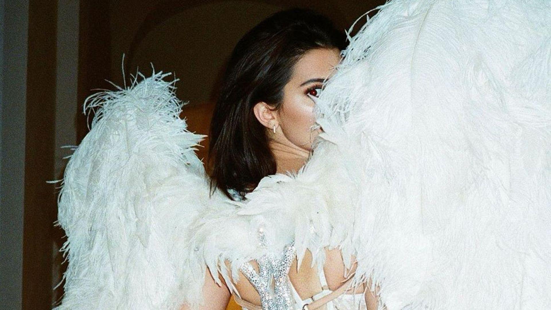 Кандал Дженър със супер сексапилна снимка от миналия Хелоуин