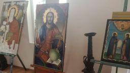 Бургазлии събраха над 8000 лева за реставрация на икони