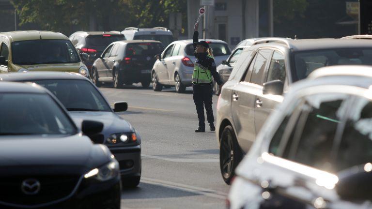 Колите с 30 км в час в две зони в центъра на София