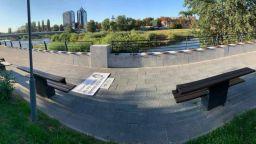 Пловдив осъмна с 32 стиха от песни на тротоара