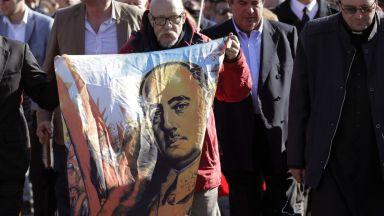 """Едва """"движението на внуците"""" посмя да ексхумира Франко"""