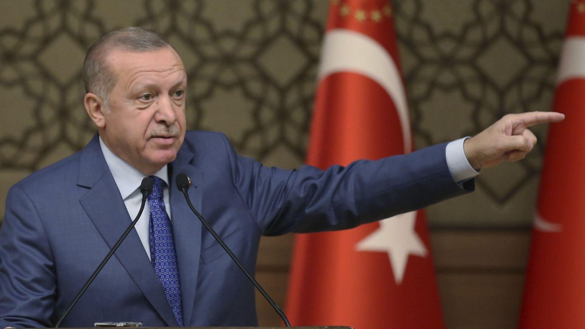 Ердоган ще иска от Великобритания, Франция и Германия средства за връщането на бежанците в Сирия